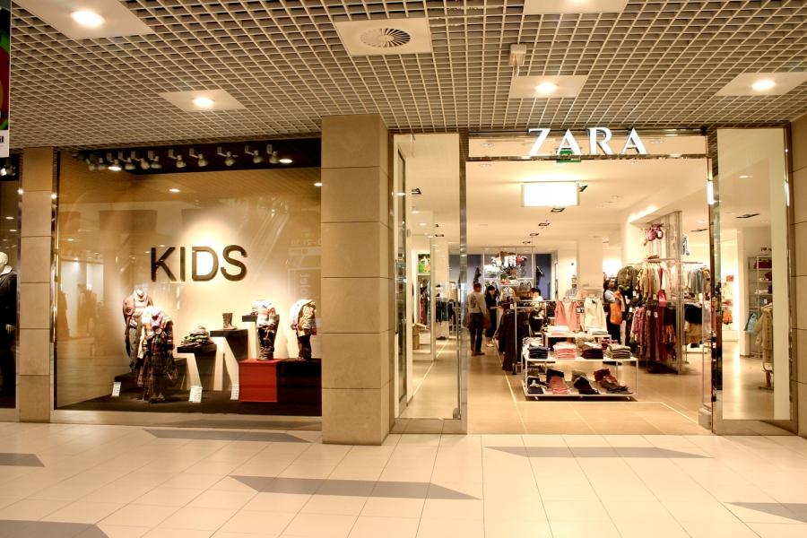 3fb4aed9a2b0f Mode textile - Zara Homme, Femme et Enfant - Centre Commercial ...